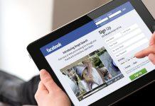 Orang Menggunakan Facebook