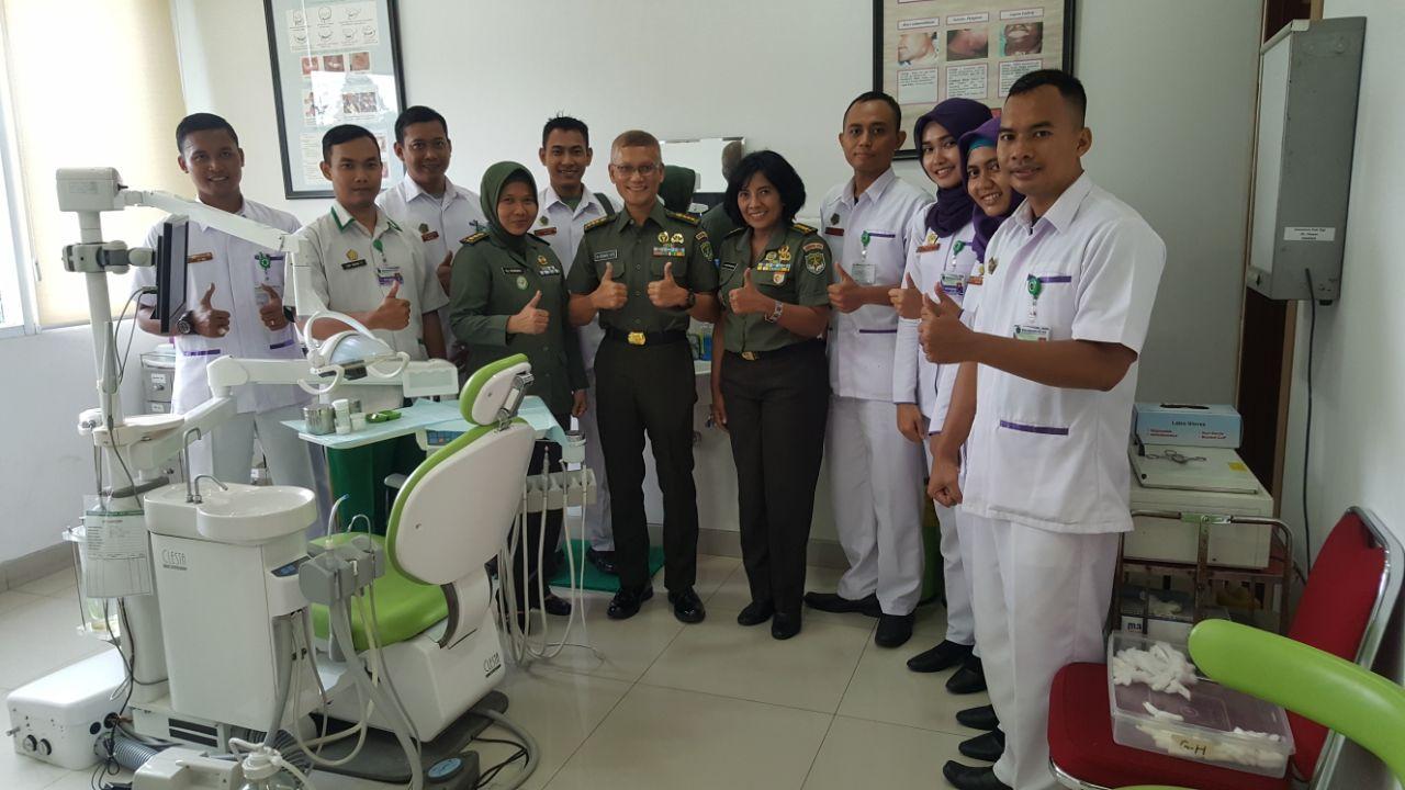 Kakesdam Jaya Kolonel Ckm dr. Hardono SPS turut memberikan semangat