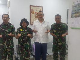 Kolonel Ckm (Purn) dr. Eddy Mahidin, SpTHT saat berkunjung ke RS MRM bersama Wakarumkit Letkol Ckm dr. Librantoro, SpJP, Karumkit MRM dan Kasijangmed RS MRM Mayor Ckm Isamaedi