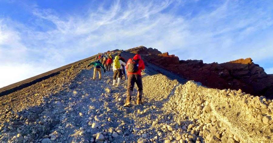 tips mendaki gunung bagi pemula