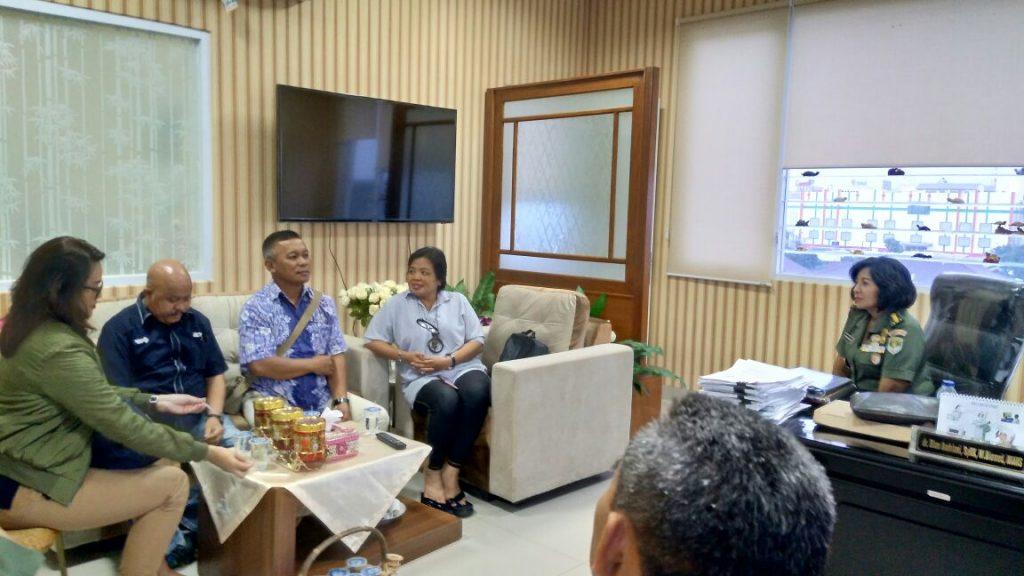 Kunjungan tim media RCTI, MNC grup dan majalah jurnal tenis meja dalam rangka peliputan kegiatan turnamen tenis meja di RS Moh Ridwan Meuraksa tanggal 26-28 Januari 2018